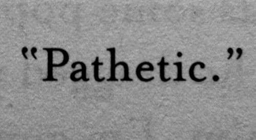 Patetic înseamnă JALNIC?